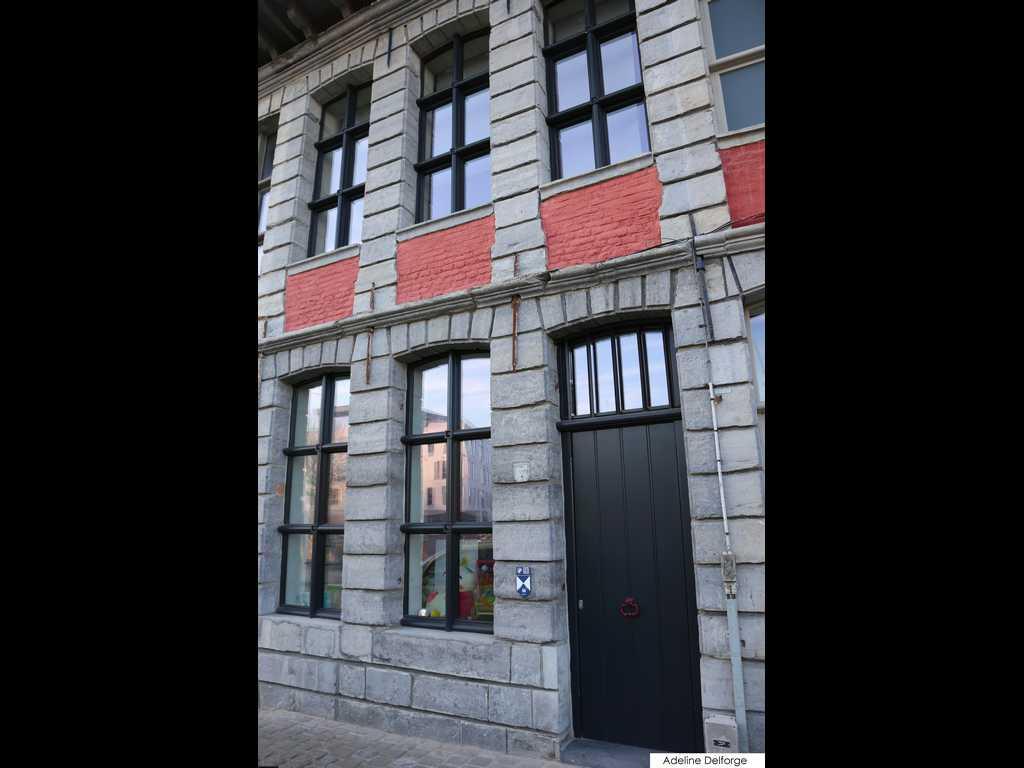 Fabrication de portes et fen tres en afz lia peints en for Fabricant de porte et fenetre